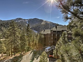 2BR Stateline Condo w/Community Hot Tub & Views!