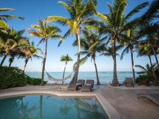 Casa Texoma - Beachfront Luxury Villa with Private Staff in a Gated Community