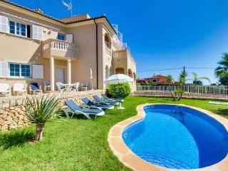 Villa with pool and beautiful sea views in Tolleric, wifi, barbecue for 8 people