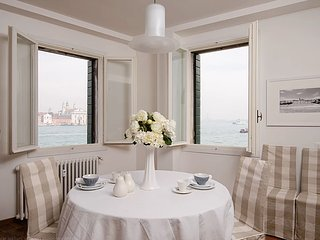A contemporary 2 bedroom apartment overlooking the iconic views of Venice