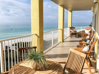 Beach Front Paradise! Pool - WiFi - Elevator - Steps to Sugar Sand Beaches! 2 Mi