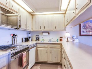 Dog-friendly condo w/ shared pool & entertainment - walk to beach & downtown!