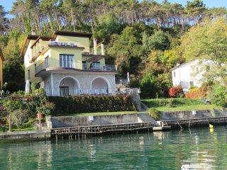 Appartamento Blu: 4 posti letto terrazza sul fiume e approdo con posto barca