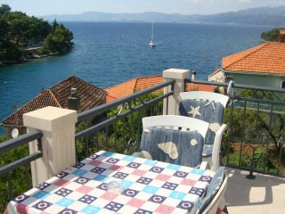 Apartments Flower- Two Bedroom Apartment with Balcony and Sea View No2