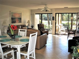 SEA PINES/HARBOUR TOWN IMMACULATE,BEST LOCATION,PRIVACY,NO STAIRS,GREAT REVIEWS!