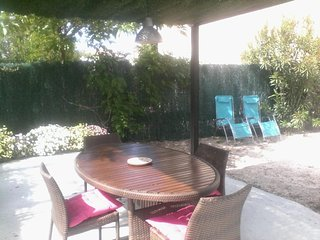 Calvi 4 pers.tres bel appartement climatise,500m plage PROMOTIONS AOUT