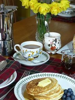 For breakfast we use top quality local produce and homemade bread, yogurt, preserves and cakes.