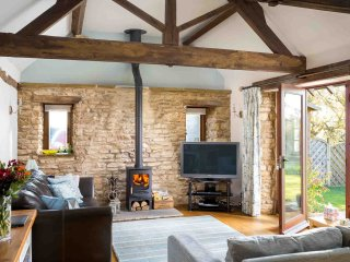 Perry Cottage is a beautiful converted cottage located in the village of Paxford