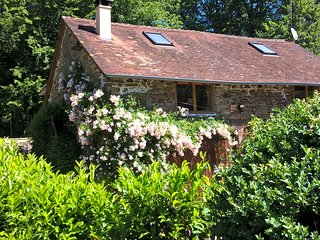 Le Moulin Neuf Sud Holiday Cottage, Dordogne, SW France