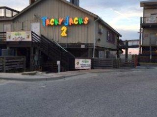 Tacky Jacks Fort Morgan est situé en face de la baie. La nourriture est excellente et amusant!