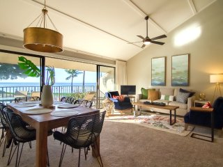 Large Modern Oceanfront Condo ★ 2017 Remodel ★ Amazing Views ★ Maalaea Surf G8