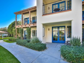 Luxurious 3Bd/3Ba Villa with Fountain View  - Lower T21