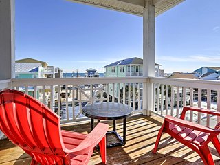 4BR Carolina Beach Townhouse Steps From Ocean!