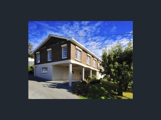 Kings View Launceston | Huge space | Amazing views | Private Retreat
