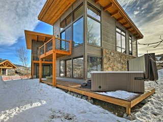 NEW! High-End 4BR Silverthorne Home w/Pvt Hot Tub