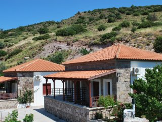 Troyan Hill Studio with panoramic view of the endless blue of the Aegean Sea