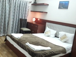 Valuable Stays Mountain View Suite near Baga and Club Cubana!