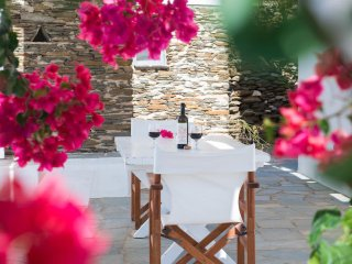Family home in a picturesque village in Sifnos