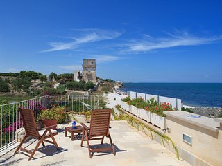 Fiore di Mare: Sea View Trulli Complex in Trani