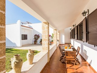 Villa prisuddi near the wonderful beaches of Punta Prosciutto in Puglia