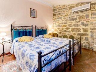 12 bedroom Villa in Fratticciola, Tuscany, Italy : ref 5512292