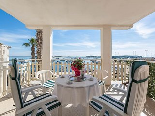 358 Sea Front Apartment in Porto Cesareo