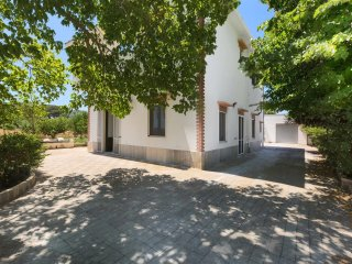 244 Villa located in the quiet countryside of Salento