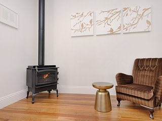 New, cosy Regency combustion fireplace