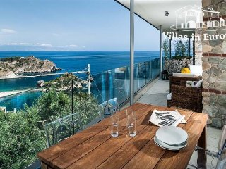 2 bedroom Apartment in Taormina, Sicily, Italy : ref 5484760