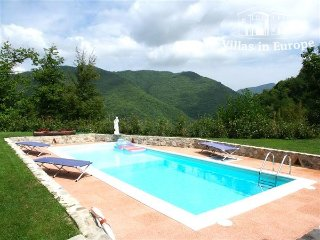 2 bedroom Villa in Lucca, Tuscany, Italy : ref 5484328