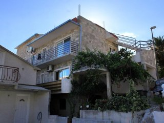 Three bedroom apartment Brela (Makarska) (A-789-b)