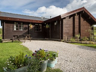 At 98m2 the Birds Log Cabins are as big as a family home and made of solid pine. Safe & spacious