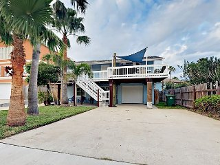 Roomy 3BR/3BA w/ Deck & Entertaining Space – Steps to Beach & Restaurants