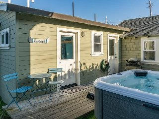Darling 2BR Cottage on Salmon Creek – 3-Minute Walk to the Ocean