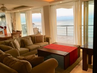 Condo Pelicano -- Beachfront Luxury in Punta de Mita