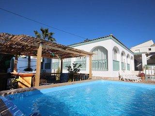 2051 - 4  bed villa with private pool and garden, Los Claveles, La Cala de Mijas