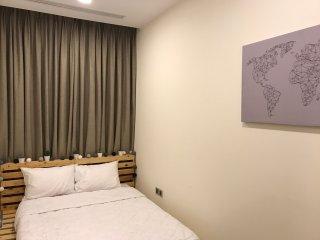 Travelaholicshomestay - Double Bed (Share Bathroom) - Vinhomes Central Park