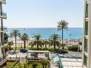 'LE TRÉSOR DE PROMENADE': Sea view. AC, WiFi, 2 bedrooms, balcony