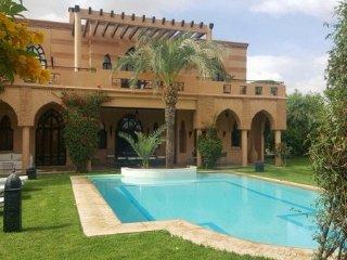 Super 5 bedrooms villa on Golf Marrakech