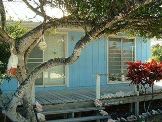 Victoria's Beach House - Great Island Home!