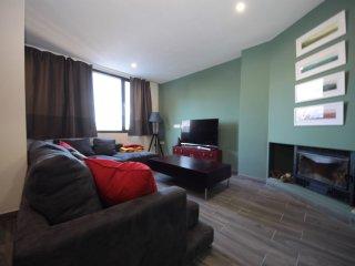 Apartamento reformado en zona media de Sierra Nevada, 8pax con WIFI.