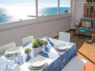 BEAUTIFUL MODERN FRONTLINE 2-BR, LARGE BALCONY WITH SEA VIEWS