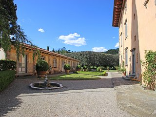 Villa Olivum - Historical villa in the hills of Lucca