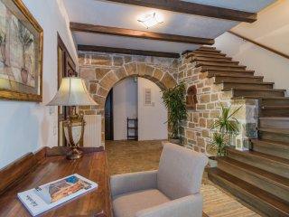 Villa Froso - Seven-bedroom villa with private pool