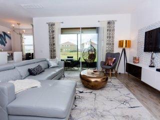 4 Suites Luxury Home  PR2221