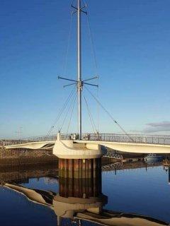 Harbour bridge 2 minutes walk from site
