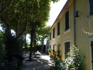 Home rental at the very heart of Provence