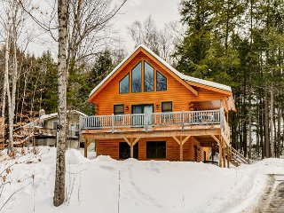 Gorgeous 4BR Log Home Near Skiing, Hiking, Restaurants & N Conway Shopping!