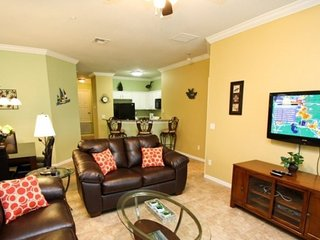 2809OD. Upgraded 3 Bedroom 2 Bath Town Home 1.5 Miles To Disney