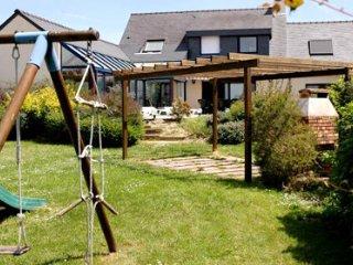 33535  6-bedroom villa,indoor heated pool 7 x 3, jacuzzi, sauna, sea 400 mtr,BBQ